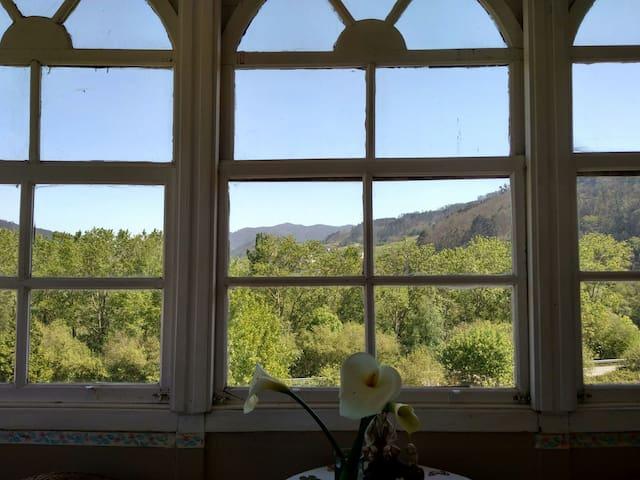 Apartamento rural El olmo con jardin,bbc y vistas