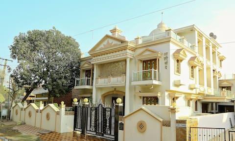 Bijela kuća - prelijepa luksuzna vila