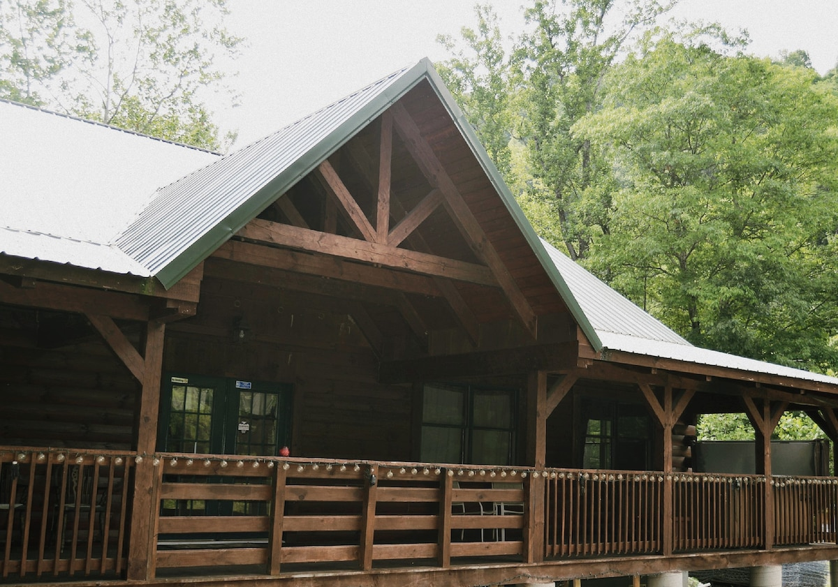 River Retreat Cabins   The Grizzly   Cabins For Rent In Elkins, West  Virginia, United States