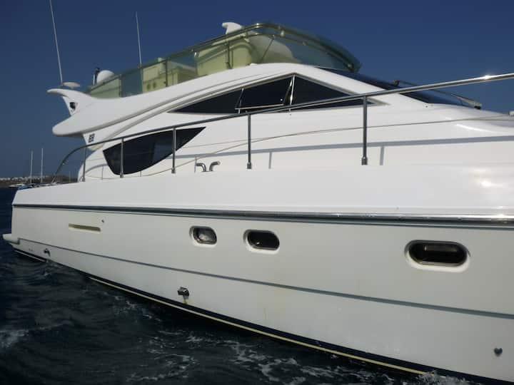 Suncruise luxury yacht FERRETI 46