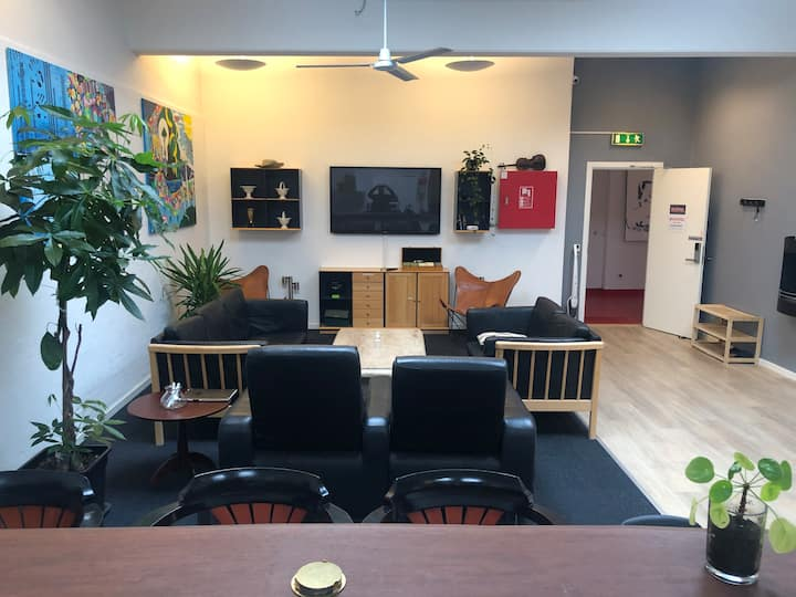 Esbjerg city, 'Staytel' Room 7