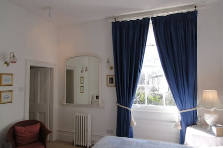 Bed & Breakfast In Ely - Twin Room - Ely - Bed & Breakfast