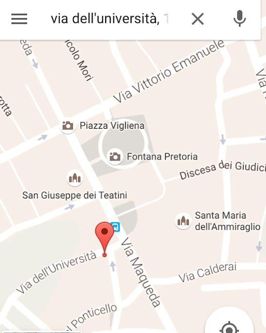Casa Vigliena - Via dell'Universitá 20