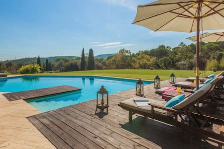 Privada & Rural villa Puig Montoriol - Llofriu - Villa