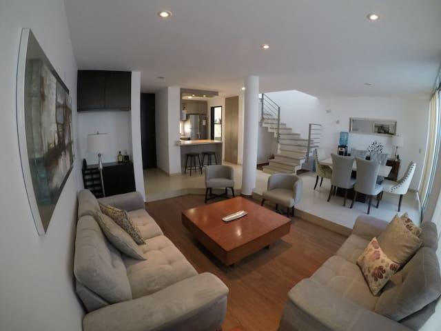 Casa Completa Sorrento Residencial Zona Sur