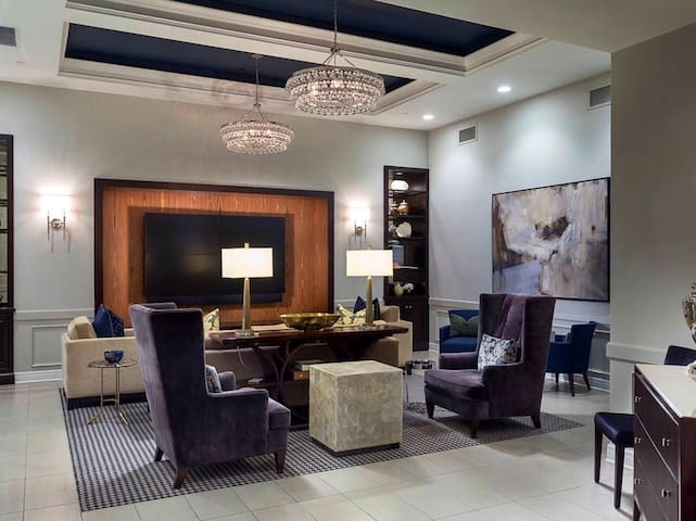 New Private Corporate Apartment in Leawood