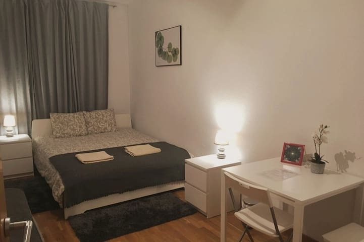 Chaming Room for 4 persons Poblenou