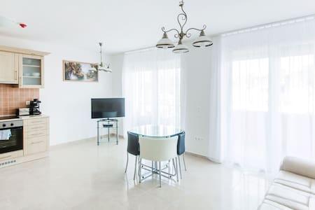 LuxAparts Studio Lake Balaton  - Siófok - Apartment