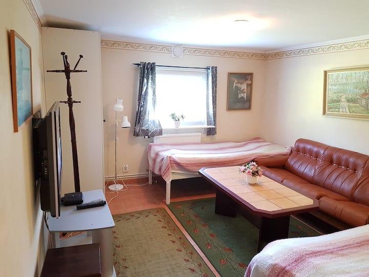 Trevliga rum centralt i Båstad, nära havet