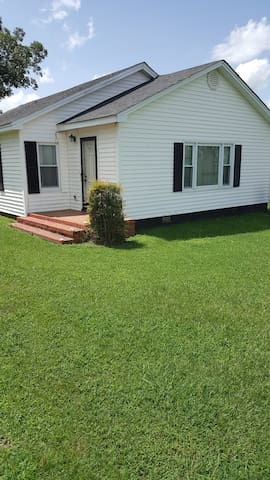 3 Bedrooms West of Mount Olive Hwy 55 - Mount Olive - Apartment