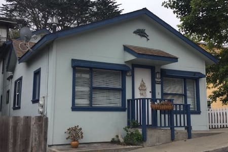 Dolphin House *30 day minimum stay* great location