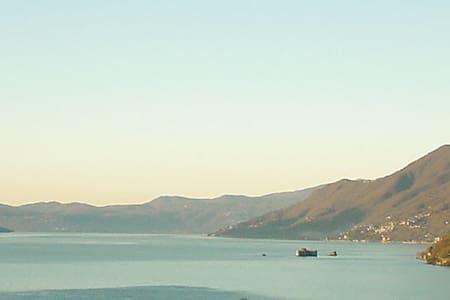 Lovely, private Lake sightseing!!!! - Tronzano Lago Maggiore - Apartment - 1