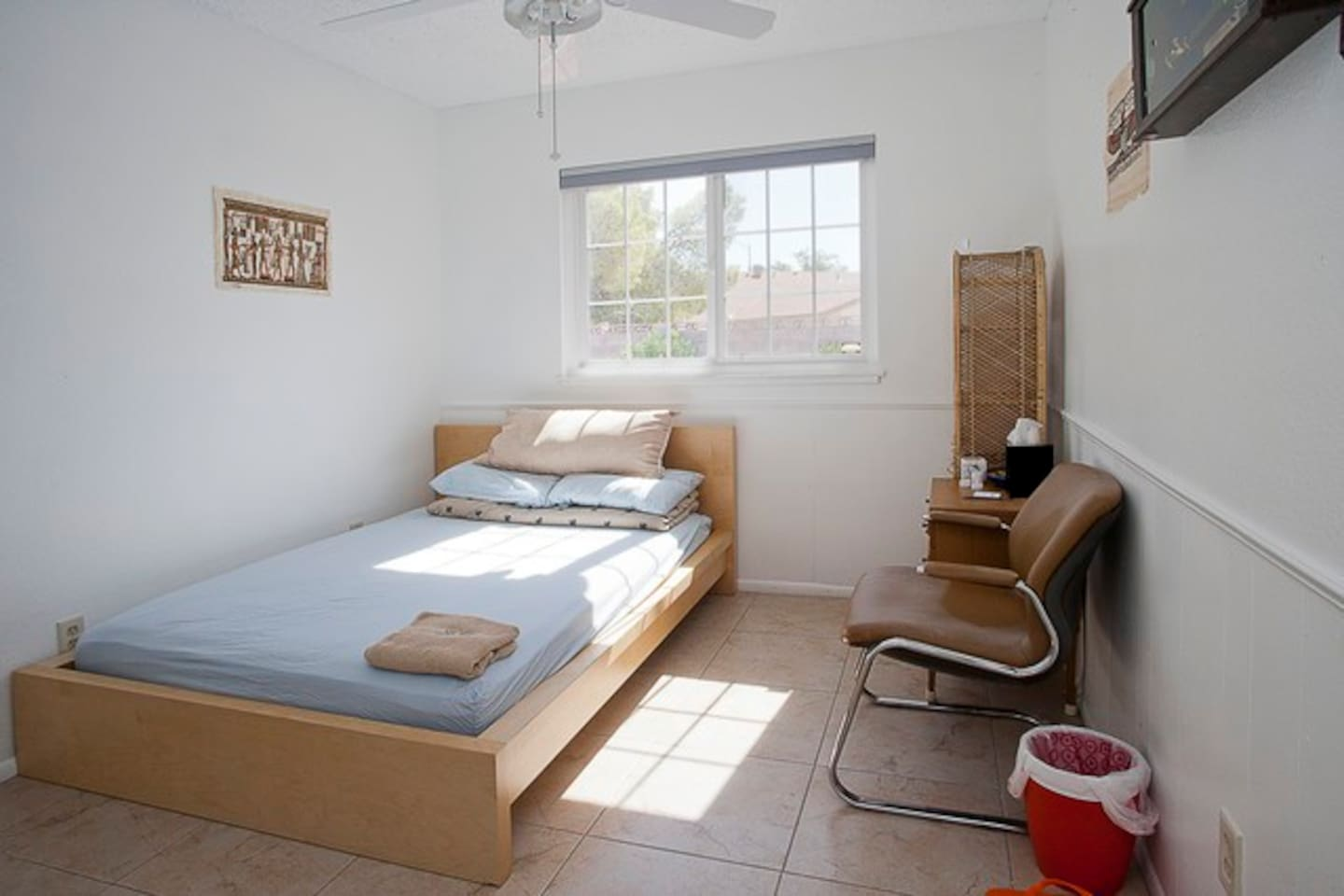 Chan 39 S House Bedroom 3 B3 Or B2 Houses For Rent In