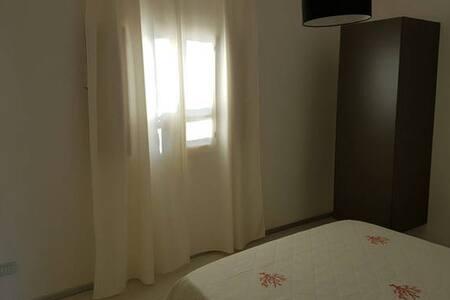 CAMERA OSPITALE IN CAMPAGNA - Olbia - Apartamento