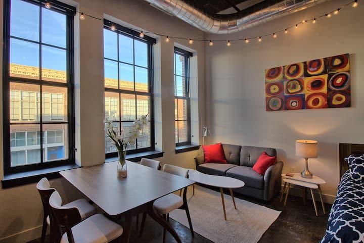 Chic Ultramodern Studio Loft w/ Designer Features