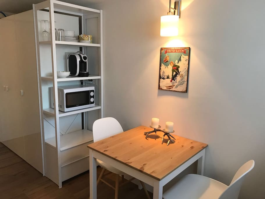Renovated Studio with 1 Bed