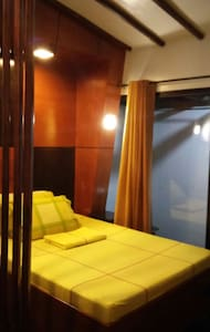Log Cabin Apts near Sm and Trinoma - Quezon City - Bed & Breakfast