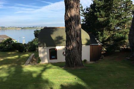 Kerélec petite maison d'hôtes les pieds dans l'eau - Carantec - Casa