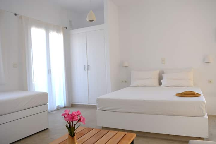 Psammos Holiday Apartments (Triple bed studio)