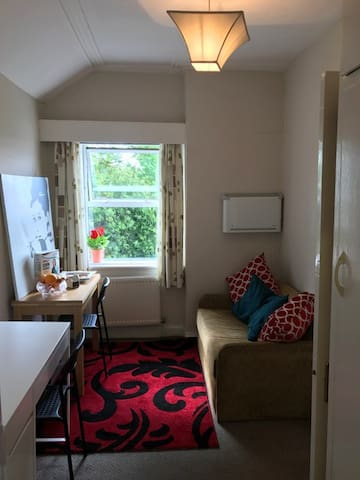Small 1 Bed