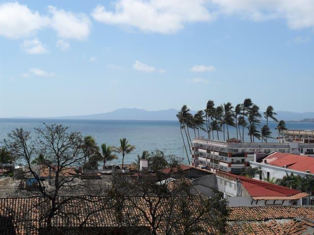 Ocean View 2 Bd Apartment