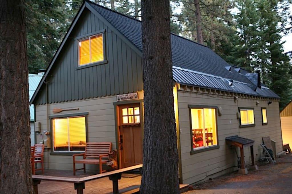 Renovated in tahoe city sunnyside chalet in affitto a for Animali domestici della cabina del lake tahoe