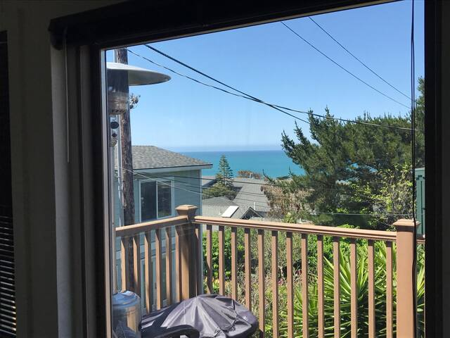 Ocean view, walk to Moonstone Beach - Cambria - House