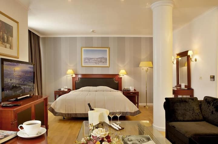 Junior Suite at Theoxenia Palace***** in Kifissia