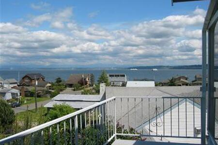 Beautiful Whidbey View House - 클린턴(Clinton)