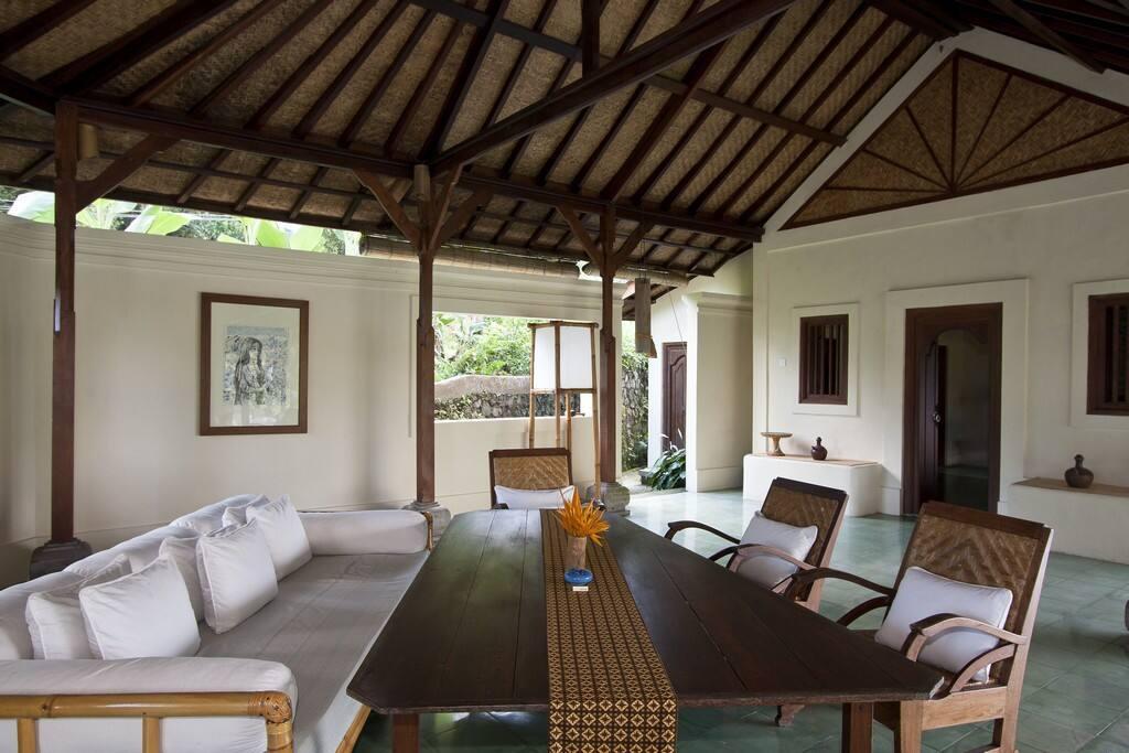 Villa Idanna Dining Room