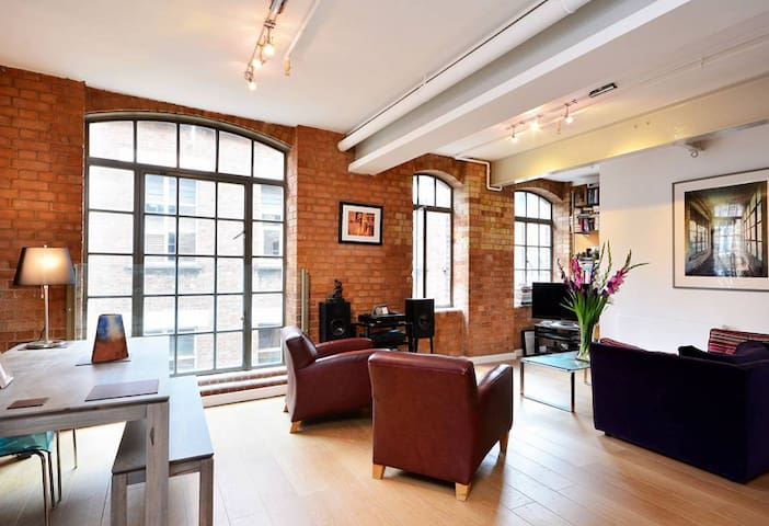 Loft 1BRM central London sleeps 6 - Londen - Appartement