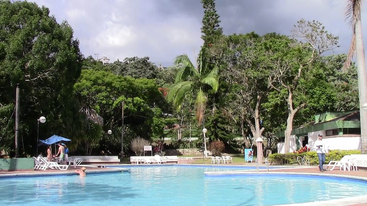 Club Campestre El Bosque Exuberante Naturaleza 2px