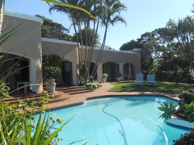 Beach-side BnB in Umhlanga Rocks - Umhlanga - Bed & Breakfast
