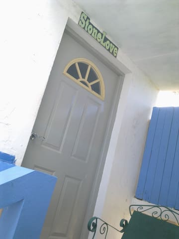"Irie Rest Guesthouse ""StoneLove"" - Treasure Beach - Apartmen"