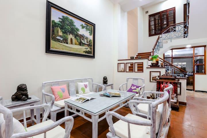 BEN THANH market BRIGHT Studio