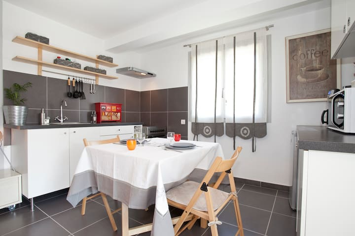 •holiday flat in Graveson, Alpilles