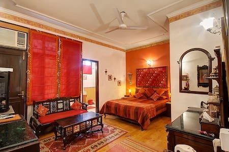 On The House B&B - Gulmohar Room - Nuova Delhi - Bed & Breakfast