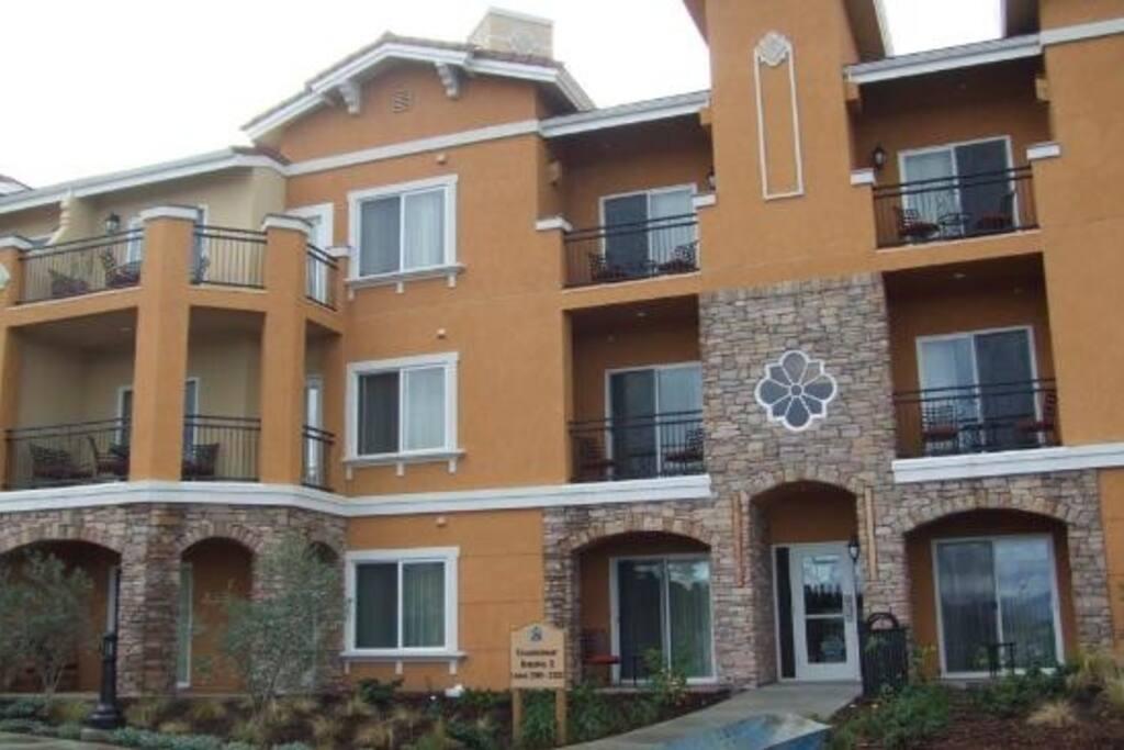 Luxury Resort Studio Suite in Napa
