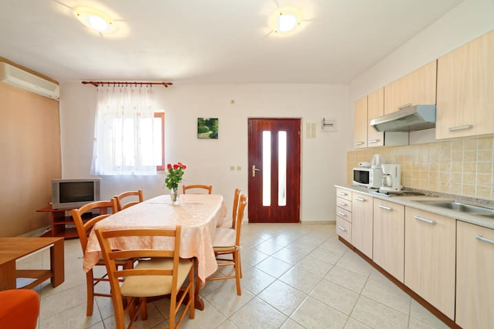 Apartments Klaudio / A5 Two bedroom - Labin - Lägenhet
