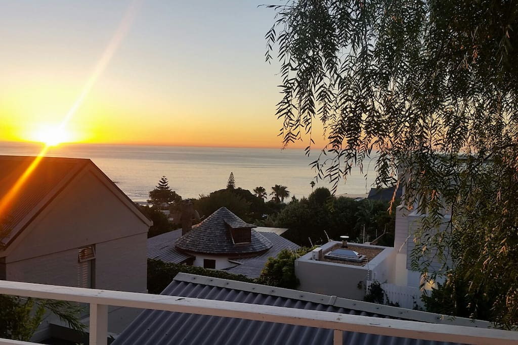 Great sunsets! 1 minute stroll to the world-renowned Llandudno beach.