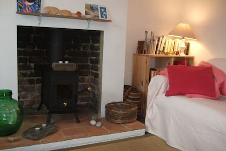 Whitstable cottage, 2 mins to beach - Whitstable