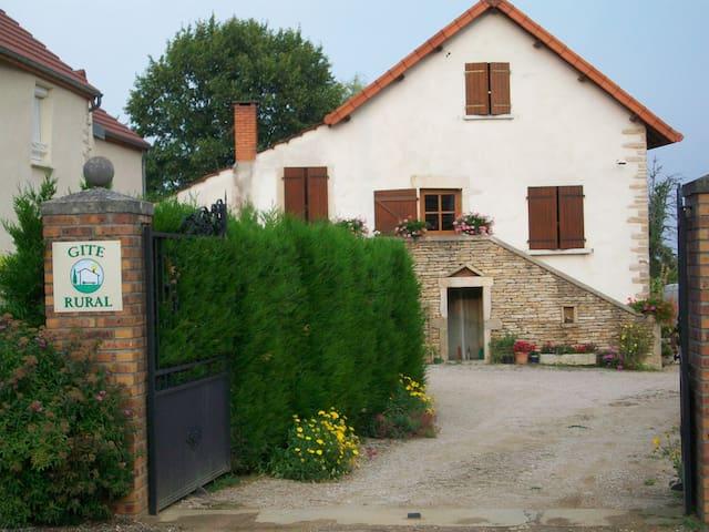 Gite Hautes Côtes de Beaune/Nuits - Magny-lès-Villers - Rumah