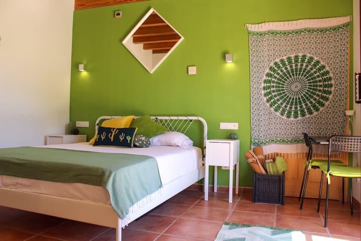 New Green Garden Suite in Mallorca's Countryside