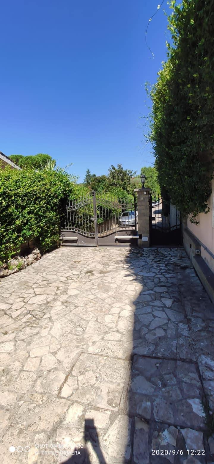 Appartamento in villa con ingresso indipendente
