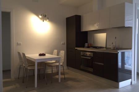 Appartamento - Zona Piazza Unità - Trieste - Apartment