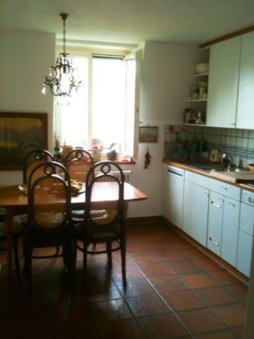 Kitchen /Diningroom