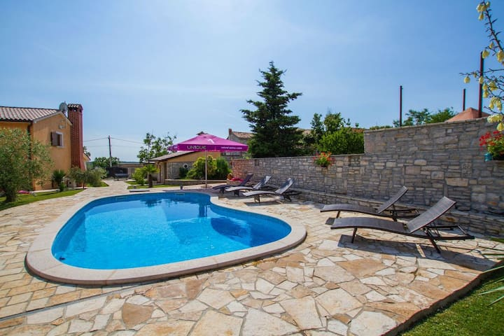 Family Villa Roy with Pool and big Playground - Orihi - Vila