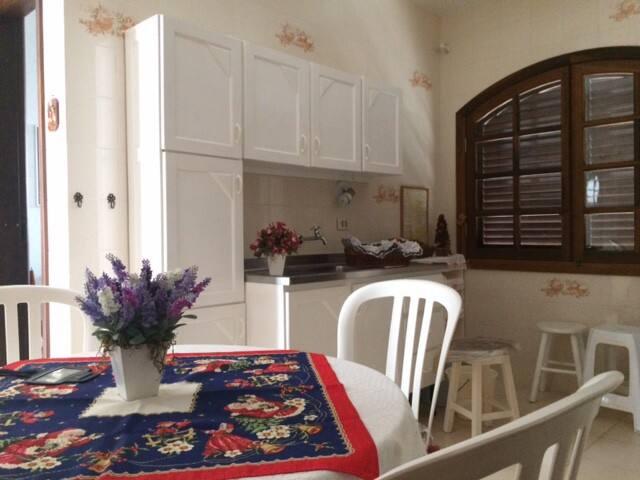 Ótimo apartamento em Matinhos (50 mts do mar)2