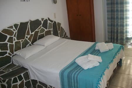 Double room in the port of Ios - Ios