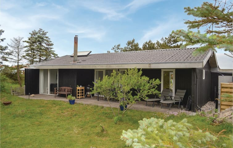 Holiday cottage with 4 bedrooms on 106m² in Nørre Nebel
